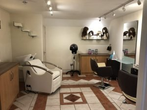 Scalp treatment room